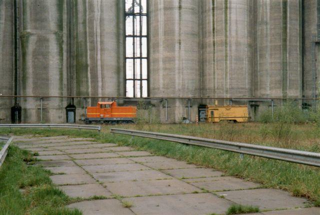 Neuhof Hafen GmbH 1, Henschel uden data og 2, Windhoff RW90E, der er en robot. 1989.