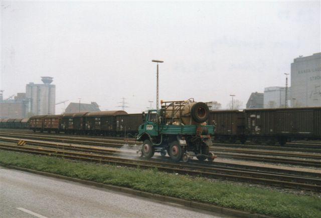 I 1989 strøjtede firmaet Evers området med denne tovejes.