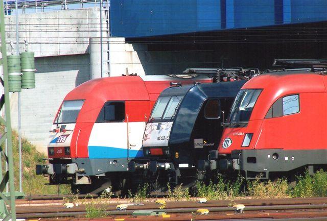 ITL CSKD INTRANS 1116 238-5, MRCE 185 553-5 og EVB 420.13 holdt til parade 2009. Tre lokomotiver, tre ejere, tre nummersystemer og tre typer. Den sidste er en diesel.