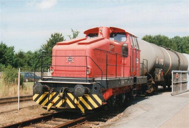 """Oiltanking 3, Henschel 31561/1978 var en """"nyere"""" Henschel med enkeltakseldrev. Den var hentet i Gera. Foto fra 2001. 2003 sås den på i mange år død tankanlæg i Moorburg stadig mærket Oiltanking. I 2008 var den retur, men døbt Gera."""