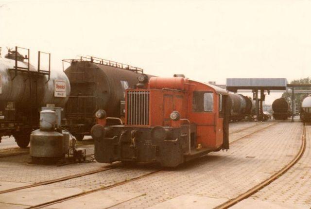Firmaet have et lokomotiv, der ikke havde nummer. det var MBA 21498/1943. Det var en Köf II. Foto 1983.