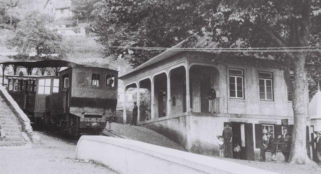 Monte Station med tog. Formentlig efter 1912. Affoto af ubestemt postkort.
