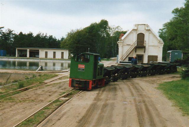 Eneste lok i drift var Schöma 4363/1979 type CHL 20 G. Hensat var Schöma 2288/1959 type CDL 10. Foto 1987.