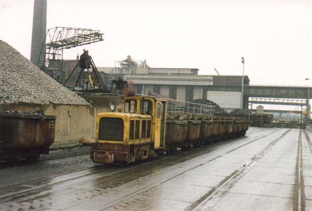 Tomt malmtog fremført af Schöma 3233/1970. Lokomotivet havde også et løbenummer: 278-504. Dataene er type CH L 60 G. 72 hk. 10 t.16 km/t. Foto 1988.