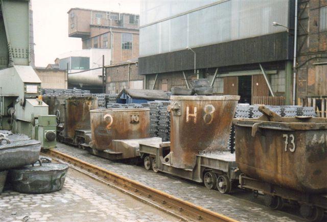 Vogne til flydende metal og eller slagger. Potter kaldes beholderne på dansk. Kürbel på tysk.