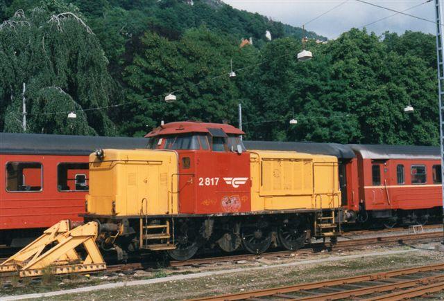NSB Di 2.817 henstod i Bergen 1997.