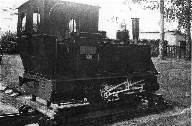 Sulitelmabanens Loko i 1067 mm. Hanomag 2411/1897. I følg en tysk hjemmeside skulle lokomotivet allerede nu være museumslok. Norske hjemmesider nævner intet derom. Foto i Hamar af Hans Kristian Hansen 1970.