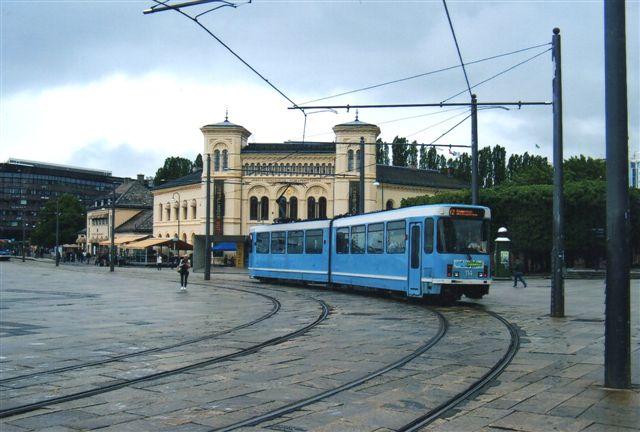 Oslos Sporveje vogn 114 på linje 12. Tovognstog ved Vestbanegården.