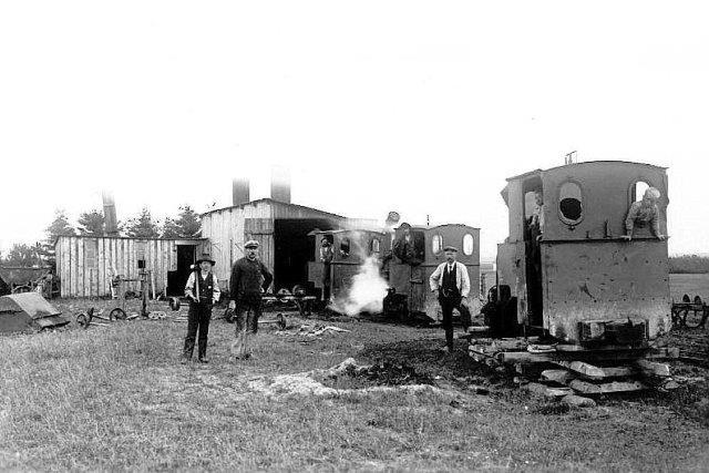 Tre Jung-lokomotiver i Tanderupkær Brunkulsleje.