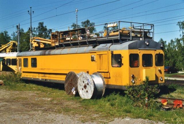 Banverket LMV 1980 B model QH2, Ex. SJ 967 i Abisko 2002. Fronten er ombygget.