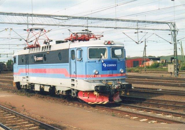 Connex 1336 ex. SJ i Boden. Foto: Ulrich Völz 2003. Connex have det år vundet kørslen mellem Stockholm/ Göteborg og Luleå/Narvik fra Tågkompaniet.