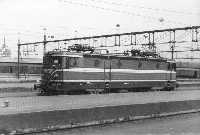 SJ Rc1 1015 i Malmö 1982.