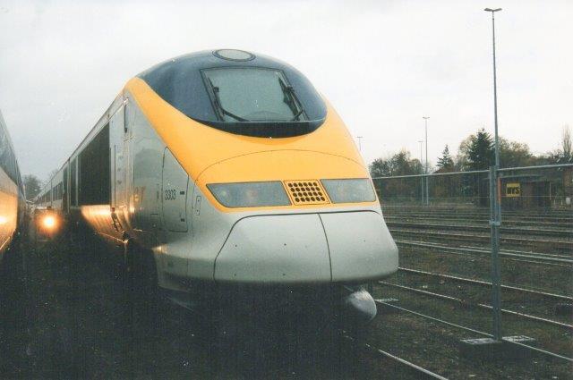 På Eurailspeed i Berlin-Grünefeld tog Günther Barths Eurostar 3303, der skulle køre under Kanalen i den netop anlagte tunnel mellem Frankrig og UK.