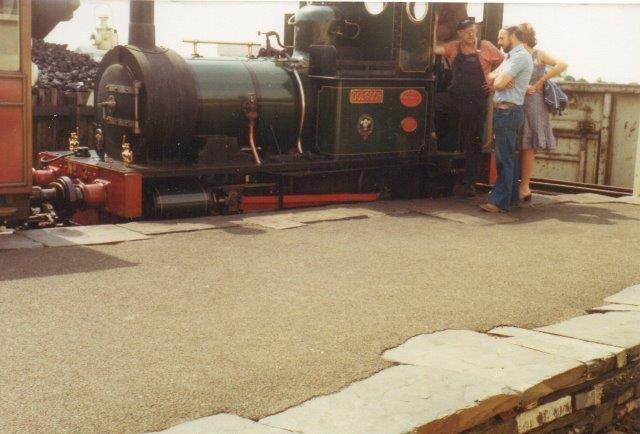 Lok 2 på Talyllyn var Fletcher Jennings fra 1866. Den bar navnet Dolgoch. Maskinen er helt fra åbningen i 1866, og banen råder over endnu et eksemplar!
