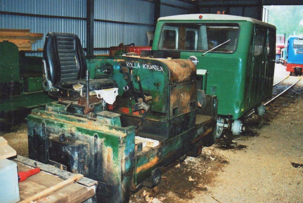 Ohs Bruk 28 Simplex 10229/1951. Foto: 2008. Der var ikke data eller nr. på lokomotivet, så det kan være forvekslet med det andet Simplexlokomotiv?