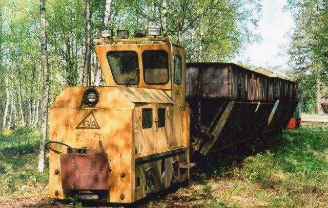 """Kronmull ABs andet lokomotiv, GIA 762/19761 af typen DHW60W. Bagved anes lidt af lokomotivet """"Berg."""" Foto: Ulrich Völz 2004."""