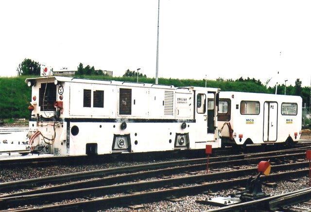 MCG 1 med mandskabstransportvogn. Personvog ville nogel måske kalde vognen. Foto 2007.