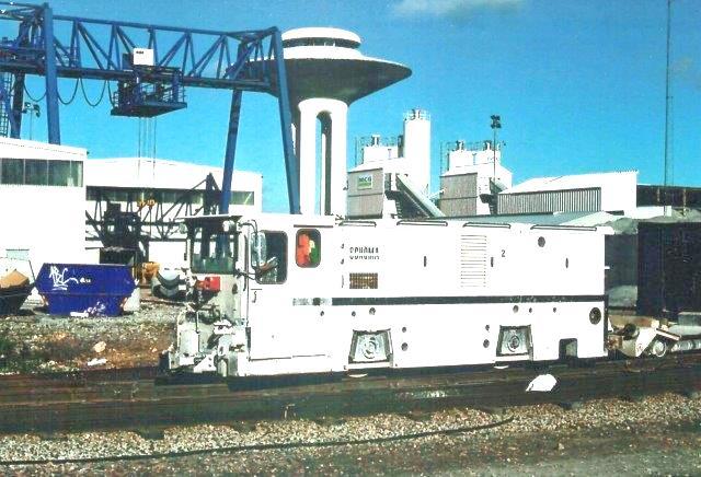 MCG 2, Schöma 5048/1900. Type CFL200DCL. Også dette lokomotiv er ankommet for boringen er begyndt. Det startede oprindelig under Storebælt som nr. 46-16. Foto fra 2006.