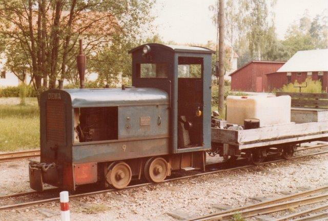 Denne Diema fra 1940 med nummeret 9 kørte 1978 brandslukningstoget, der altid kørte efter damptogene for at slukke eventuelle brande antændt af lokomotivet i opløbet.