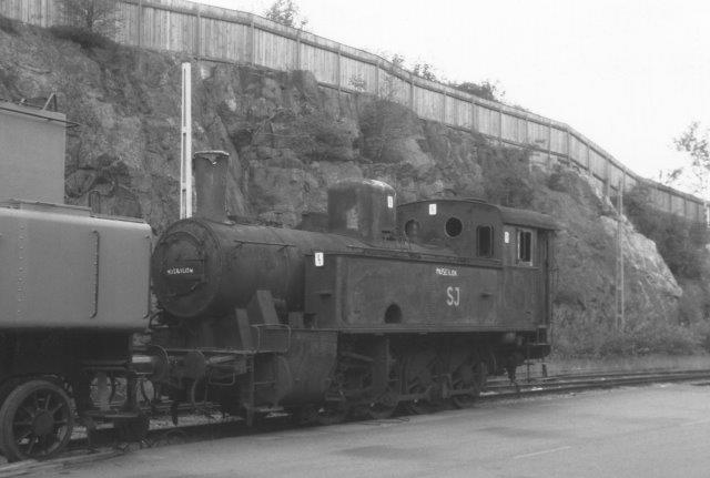 SJ N 1173, tidligere Na 1173 med samme data som 1169, dog byggenr. 148. Den er stadig i SKÅJs besiddelse.