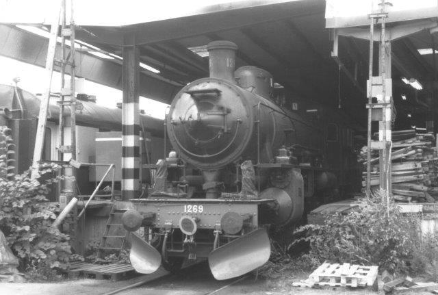 SJ B 1269, Motala 560/1916. Her hos SKÅJ i Albano i Stockholm 1988.