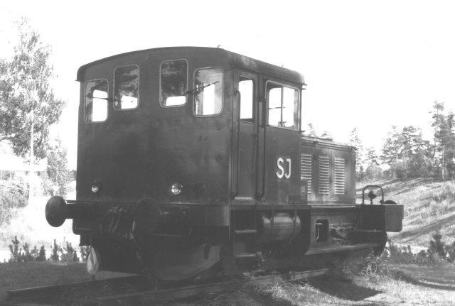 SJ lokomotir helt uden nummer og andre data, men det er en Deutz. sikker med litra Z4.. Den var opstillet ved Scandic-motellet ved Gävle som en reklame for Jernbanemuseet i Gävle. Foto 1988.