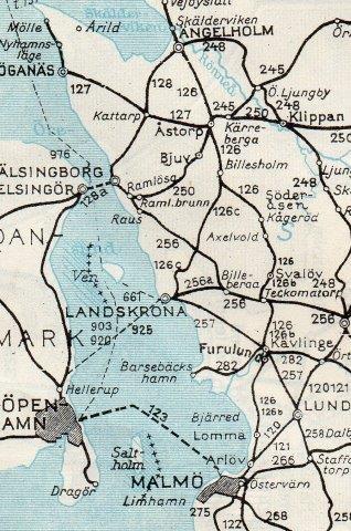 Banen til Höganäs på Sveriges Kommunikationer 1952. Køreplan nr 127. En række andre kulminebyer er også afsat,, således Bjuv (250,) Åstorp (126, 127, 249 og 250,) og Billesholm (126.) Vallåkra ligger på 256, men den er ikke afsat.
