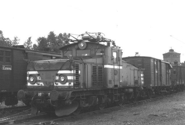 TGOJ Hg 205; ASEA 1365/1954 ved den nu statsejede (SSAB) Grängesbergmine. Den var nu tom, urentabel og stod for lukning. SJ var i fuld gang med at overtage TGOJ, hvilket endeligt ville ske 01.01.1989. Foto fra 1988.
