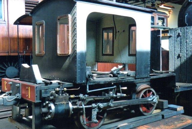 Et lille damplokomotiv var der også, men overbygningen var under renovering. Førerhuset, der står på undervognen, er fra et andet lokomotiv? Heler ikke her var der data.