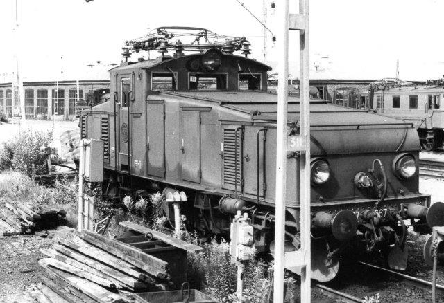 SJ Hg 667, VM 527/1947 på Sävenäs i Göteborg 1984,