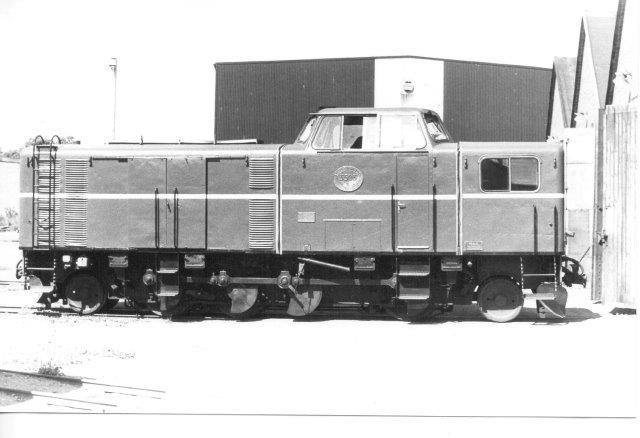 Ogå i 1984 så vi SJ 3503, dser kørtes ud af remisen for os. Lokomotivet er 1'D'1 med et akseltryk på 7,5 t på drivakslerne og 8 t på løbeakslerne. Vægtstænger anes, og med disse kunne akseltrykket på sværere spor ændres til 10 t på drivakslerne og kun 3 t på løbeakslerne. Begge del giver en tjenestevægt på 46 t.