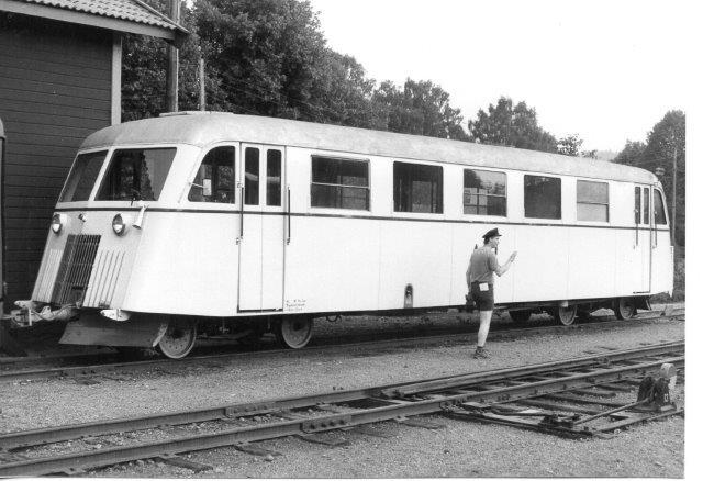 AGJ 102. En svensk skinnebus, men i smalspor. 1986,