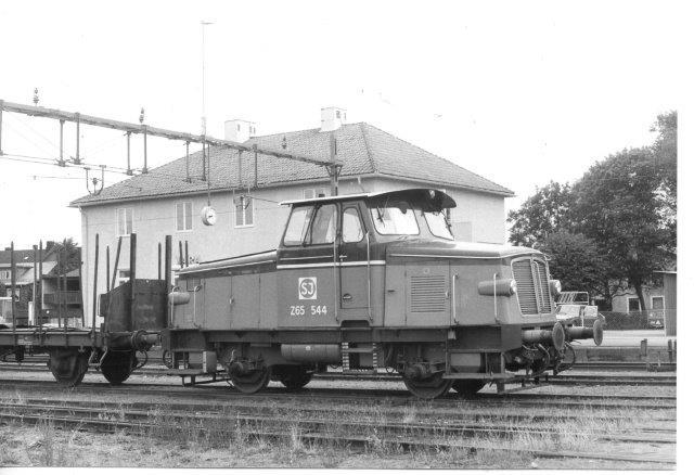 SJ Z65 544 var rangermaskine i Vara i 1986,