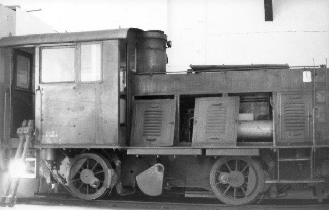 I Lokstalallet i Laxå holdt LRJ 6, DWK 621/1938. Fra 1963 LRJ 6. Den havde været reservedellager, men udvindingen var nu indstillet, da rarireteten skulle bevares. 1986.