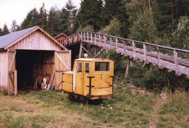 Lokomotiv uden nummer og data, 1986. Svenskerne kalder lokomotivet for et Johan Bergman-lokomotivet, men det er stærkt ombygget.