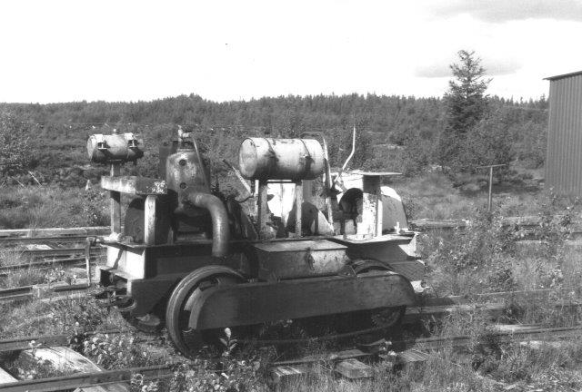 Ved tørveværket i Kvighultmossen fandtes denne sag også tilhørende Svenarum Torvströfabrik.