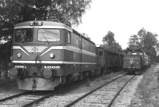 SJ Rc1 1008 hensat på SJs hovedværksted i Örebro 1988 på samme betingelser som 1007.