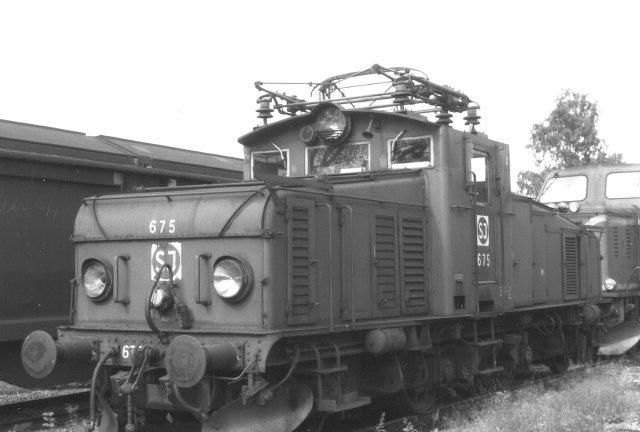 SJ Hg 675 bygget omkring 1950. Her på skrotpladsen ved hovedværkstedet i Örebro 1988.