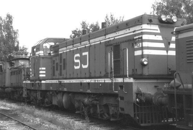 SJ T41 203. 1956 byggedes fem eksemplarer som forløbere for T44 og T45. Foto på skrotpladsen ved hovedværkstedet i Örebro 1988.