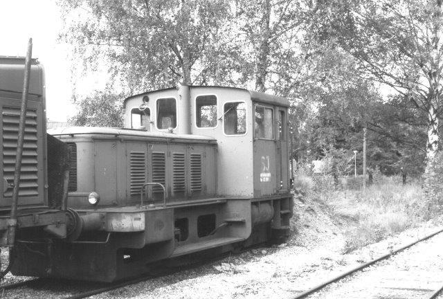 SJ Z64 351 bygget af Deutz i 35 eksemplarer fra 1955. På lokomotivkirkegården ved SJs hovedværksted i Örebro 1988.