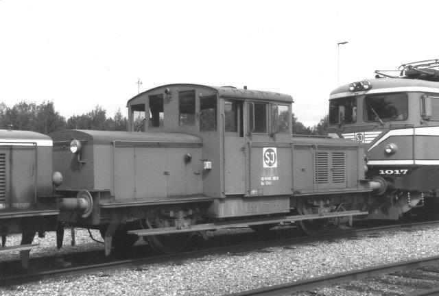 SJ Z43 uden kendt nummer her som Qaz 40 74 985 1085-9. Der er ingen buffer i den ene ende,,da den har været monteret med sneplov. Lokomotivkirkeården ved SJs hovedværksted i Örebro 1988.