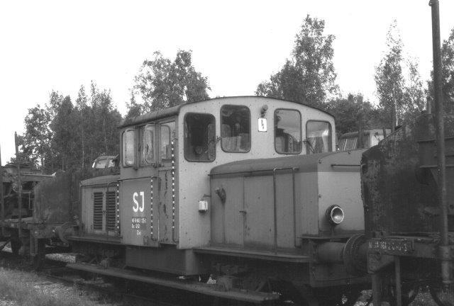 SJ Qaz 40 74 945 1125-3 stadig mærket Z43. Lokomotivkirkeården ved SJs hovedværksted i Örebro 1988.