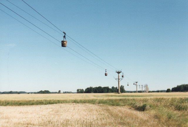 Vi stoppede lige, da vi passerede linbanan, der til vor overraskelse kørte. 1988.