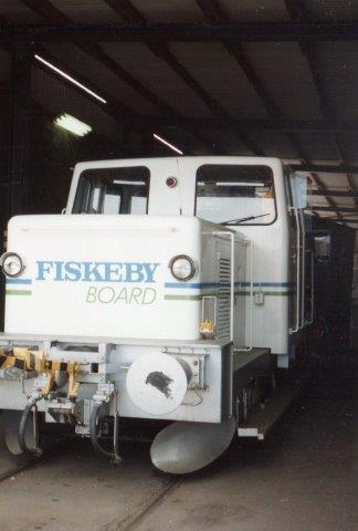 Fiskeby Board uden nr. Kalmar 189/1960. Ex. SJ Z43 473. Bagved anes Deutz 55711/1953, der var i reserve. 1988.