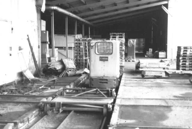 Schöma 2014/1957 i 900 mm foran skydebroen på tidligere Hasselwood, nu Facit. i 1988. Lokomotivet brugtes naturligvis ikke mere.