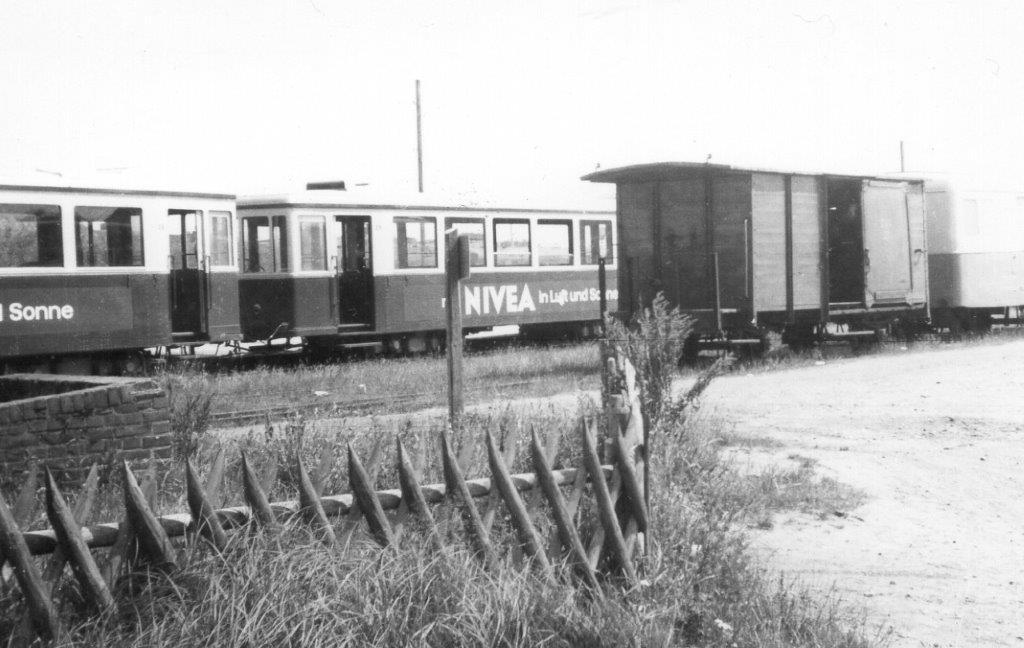 En pakvogn og nogle personvogne var hensat på Sydbanegården.