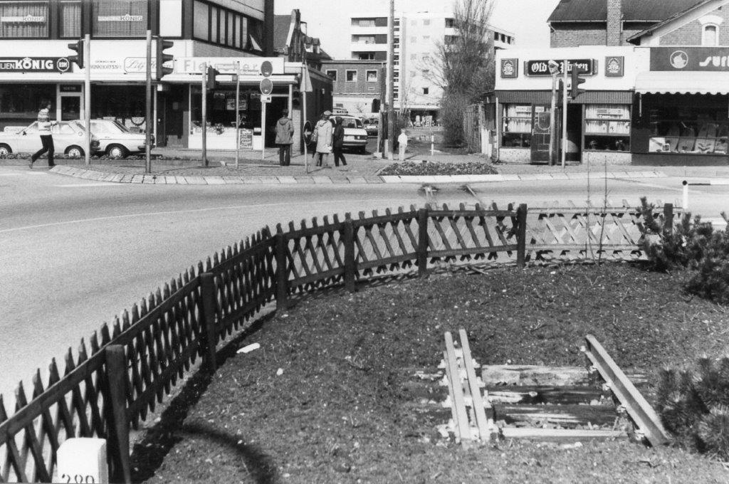I 1983 var trachen i Westerlan stadig synlig, og ikke alle spor havde man fuået taget op. Et par hjulsæt henstod også et eller andet sted, og der solgtes stadig i postkort i lange baner med motiver fra Inselbahn sammen med det meget kendte postkort af et damptog på Hindenburgdæmningen indkopieret i et andet foto af en brænding. Kortet solgte godt, skønt enhver køber burde have studset.