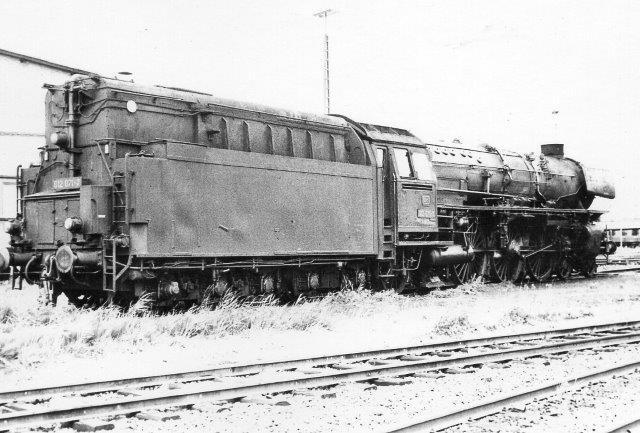 Depotet rummede også DB 012 071-7. Her er olietanken på tenderen tydelig.