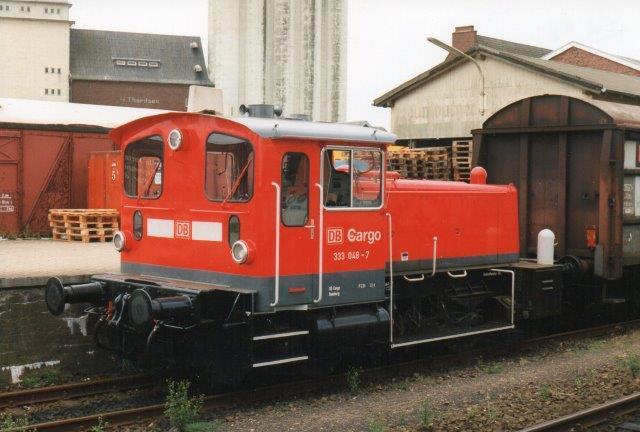 I 1998 rangerede DB Cargo 333 048-7 foruden at NVAG også rangerede.